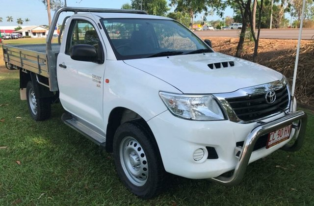Used Toyota Hilux KUN26R MY14 SR, 2015 Toyota Hilux KUN26R MY14 SR White 5 Speed Manual Cab Chassis