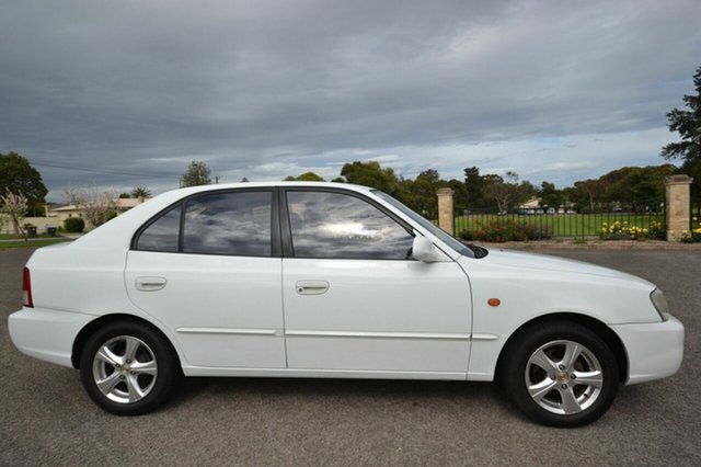 Used Hyundai Accent LC GLS, 2000 Hyundai Accent LC GLS White 4 Speed Automatic Hatchback