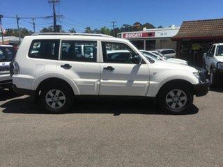 2007 Mitsubishi Pajero GLX Diesel 7 seater 4x4 White 5 Speed Sports Automatic Wagon.