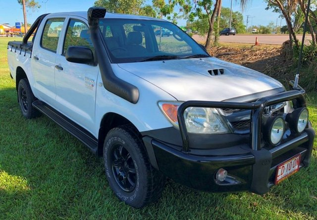 Used Toyota Hilux KUN26R MY05 SR, 2005 Toyota Hilux KUN26R MY05 SR White 5 Speed Manual Cab Chassis