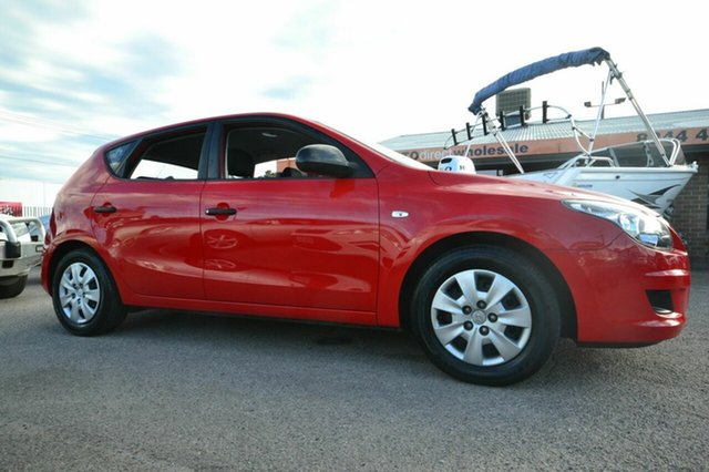 Used Hyundai i30 FD SX, 2011 Hyundai i30 FD SX Red 5 Speed Manual Hatchback