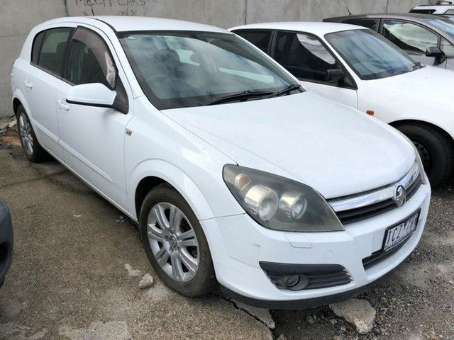 Used Holden Astra AH MY06.5 CDTi, 2006 Holden Astra AH MY06.5 CDTi White 6 Speed Automatic Hatchback