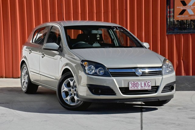 Used Holden Astra AH MY06 CDXi, 2005 Holden Astra AH MY06 CDXi Gold 5 Speed Manual Hatchback