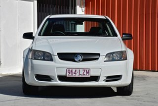 2007 Holden Commodore VE Omega White 4 Speed Automatic Sedan.