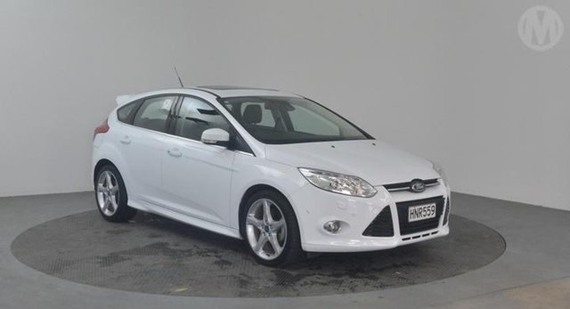Used Ford Focus  , 2014 Ford Focus Titanium White Automatic Hatchback