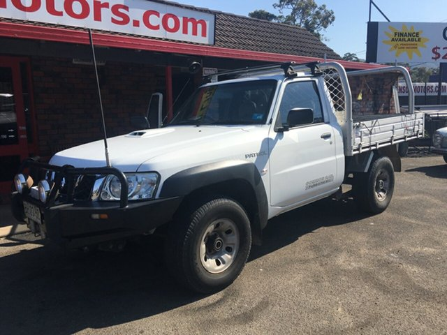 Used Nissan Patrol  , 2010 Nissan Patrol 4X4 COMMON RAIL 3.0 diesel White 5 Speed Manual Cab Chassis