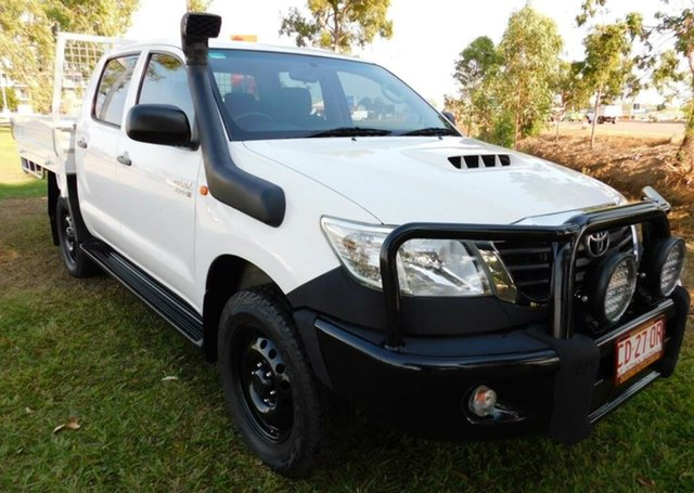 Used Toyota Hilux KUN26R MY14 SR Double Cab, 2014 Toyota Hilux KUN26R MY14 SR Double Cab White 5 Speed Automatic Cab Chassis