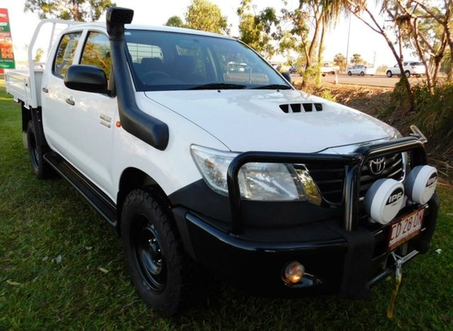 Used Toyota Hilux KUN26R MY14 SR Double Cab, 2015 Toyota Hilux KUN26R MY14 SR Double Cab White 5 Speed Manual Cab Chassis