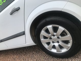 2005 Holden Astra AH MY05 CD White 5 Speed Manual Hatchback