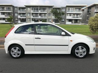 2004 Ford Fiesta WP Zetec White 4 Speed Automatic Hatchback.