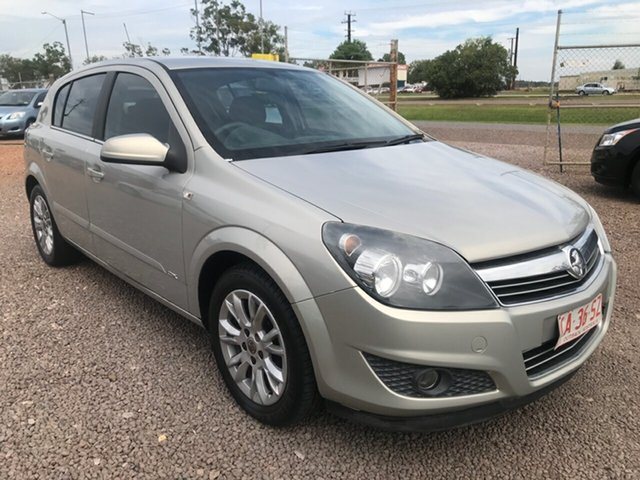 Used Holden Astra AH MY09 CDX, 2009 Holden Astra AH MY09 CDX Silver 4 Speed Automatic Hatchback