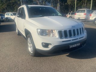 2011 Jeep Compass SPORT  AUTO 2.0 White 6 Speed Automatic Wagon.