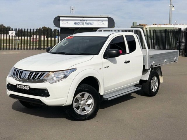 Used Mitsubishi Triton MQ MY16 GLX Club Cab, 2015 Mitsubishi Triton MQ MY16 GLX Club Cab White 6 Speed Manual Cab Chassis