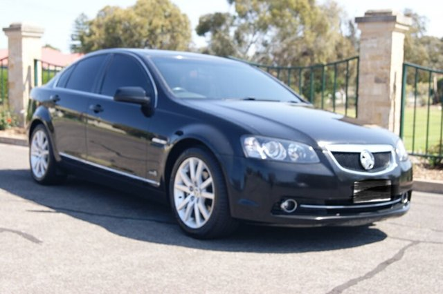 Used Holden Calais VE II MY12.5 , 2012 Holden Calais VE II MY12.5 Black 6 Speed Automatic Sedan