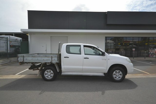 Used Toyota Hilux KUN26R 07 Upgrade SR (4x4), 2008 Toyota Hilux KUN26R 07 Upgrade SR (4x4) White 5 Speed Manual Dual Cab Chassis