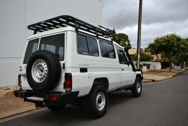 Used Toyota Landcruiser HDJ78R (4x4) 11 Seat, 2006 Toyota Landcruiser HDJ78R (4x4) 11 Seat White 5 Speed Manual 4x4 TroopCarrier