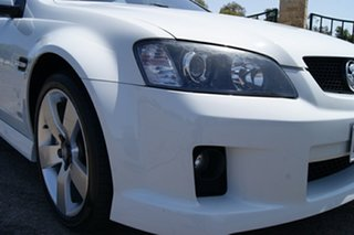 2008 Holden Commodore VE MY08 SS-V White 6 Speed Manual Sedan.