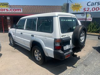 2001 Mitsubishi Pajero White 4 Speed Automatic Wagon