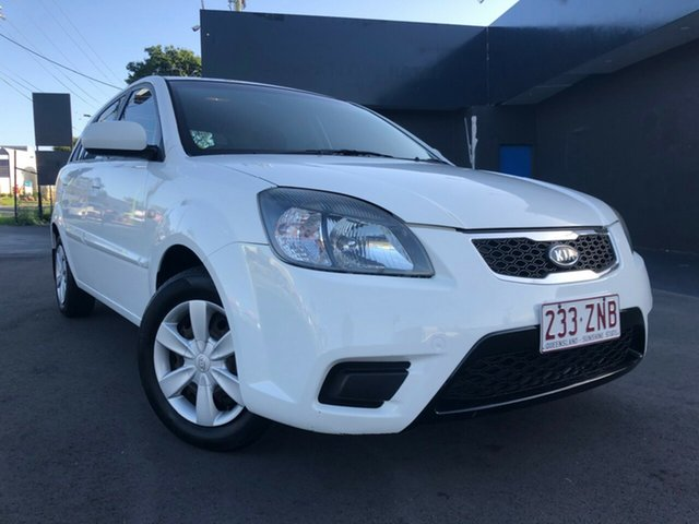 Used Kia Rio JB MY11 S, 2010 Kia Rio JB MY11 S White 5 Speed Manual Hatchback