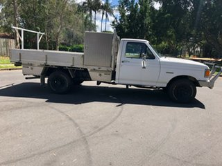 1990 Ford F250 (4x4) White 3 Speed Automatic 4x4 Cab Chassis.