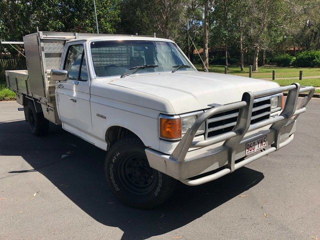 Used Ford F250 (4x4) Underwood, 1990 Ford F250 (4x4) White 3 Speed Automatic 4x4 Cab Chassis
