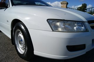2005 Holden Commodore VZ One Tonner S White 6 Speed Manual Cab Chassis.
