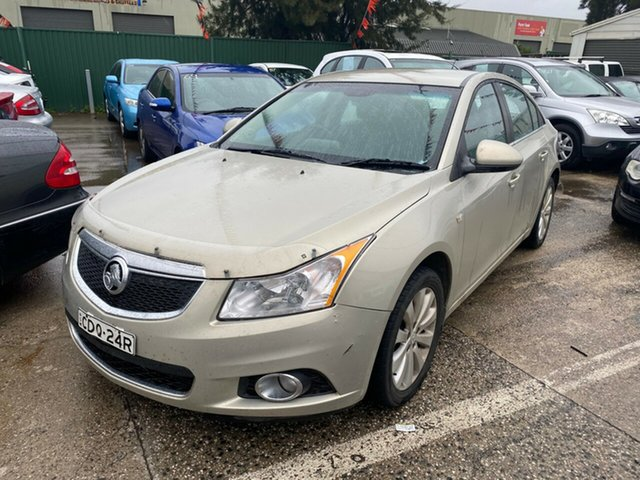 Used Holden Cruze JH CDX, 2011 Holden Cruze JH CDX Gold 5 Speed Manual Sedan