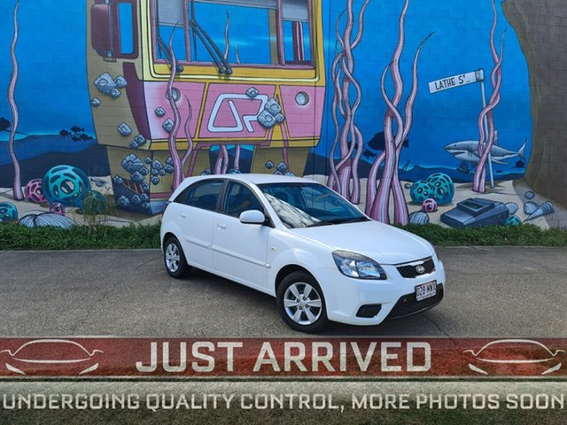 Used Kia Rio JB MY09 LX, 2009 Kia Rio JB MY09 LX White 5 Speed Manual Hatchback