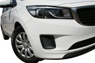 2015 Kia Carnival YP MY15 S Clear White 6 Speed Automatic Wagon.