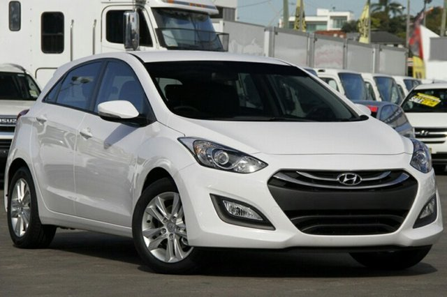 Demo Hyundai i30 GD MY14 Trophy, 2014 Hyundai i30 GD MY14 Trophy Creamy White 6 Speed Automatic Hatchback