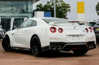 2017 Nissan GT-R R35 MY17 Premium DCT AWD Jet Black 6 Speed Sports Automatic Dual Clutch Coupe.