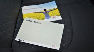 2016 Kia Rio UB MY16 S Clear White 6 Speed Manual Hatchback