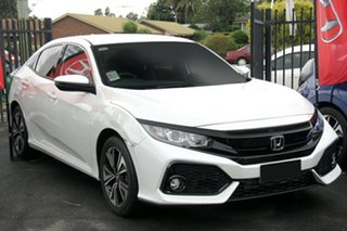 2019 Honda Civic 10th Gen MY18 VTi-L Platinum White 1 Speed Constant Variable Hatchback.