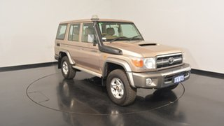 2009 Toyota Landcruiser VDJ76R MY10 GXL Gold 5 Speed Manual Wagon.