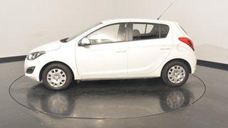 2015 Hyundai i20 PB MY15 Active White 6 Speed Manual Hatchback.