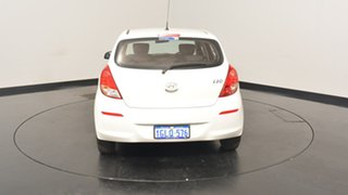 2015 Hyundai i20 PB MY15 Active White 6 Speed Manual Hatchback