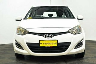 2012 Hyundai i20 PB MY12 Active White 4 Speed Automatic Hatchback.