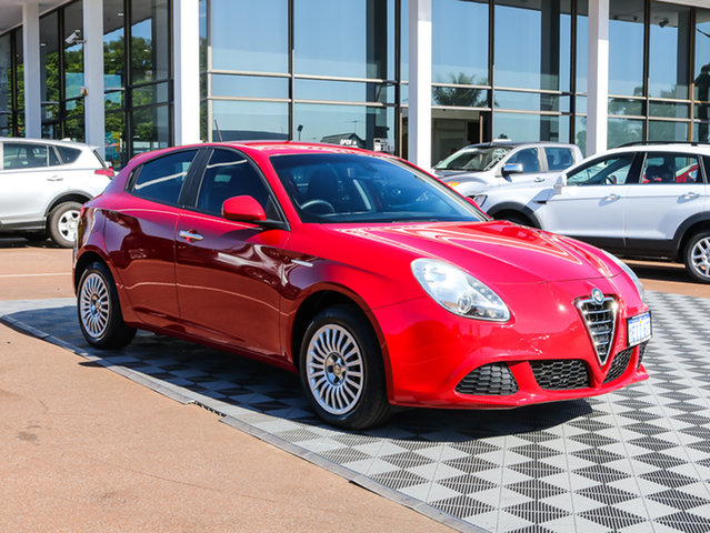 Used Alfa Romeo Giulietta Series 0 MY13 Progression, 2013 Alfa Romeo Giulietta Series 0 MY13 Progression Red 6 Speed Manual Hatchback