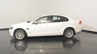 2010 Holden Commodore VE MY10 International White 6 Speed Sports Automatic Sedan.