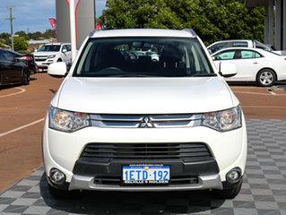 2015 Mitsubishi Outlander ZJ MY14.5 ES 4WD White 6 Speed Constant Variable Wagon.