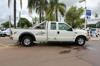 2002 Ford F250 XLT Super Cab White 4 Speed Automatic Utility