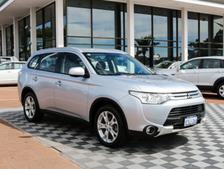 2015 Mitsubishi Outlander ZJ MY14.5 ES 4WD Silver 6 Speed Constant Variable Wagon.