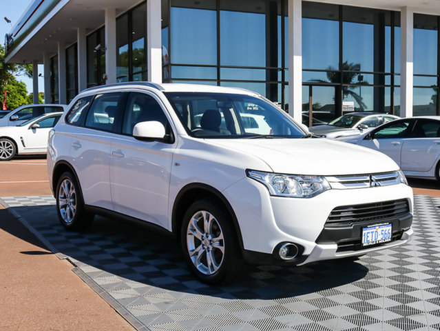Used Mitsubishi Outlander ZJ MY14.5 ES 4WD, 2015 Mitsubishi Outlander ZJ MY14.5 ES 4WD White 6 Speed Constant Variable Wagon