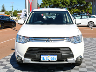 2015 Mitsubishi Outlander ZJ MY14.5 ES 4WD White 6 Speed Constant Variable Wagon