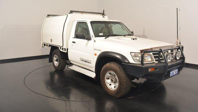 Used Nissan Patrol GU II DX, 2006 Nissan Patrol GU II DX White 5 Speed Manual Cab Chassis