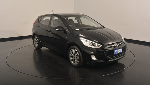 Used Hyundai Accent RB4 MY17 SR, 2017 Hyundai Accent RB4 MY17 SR Phantom Black 6 Speed Sports Automatic Hatchback