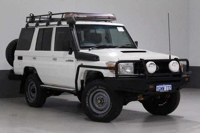 Used Toyota Landcruiser VDJ76R MY12 Update Workmate (4x4), 2013 Toyota Landcruiser VDJ76R MY12 Update Workmate (4x4) White 5 Speed Manual Wagon