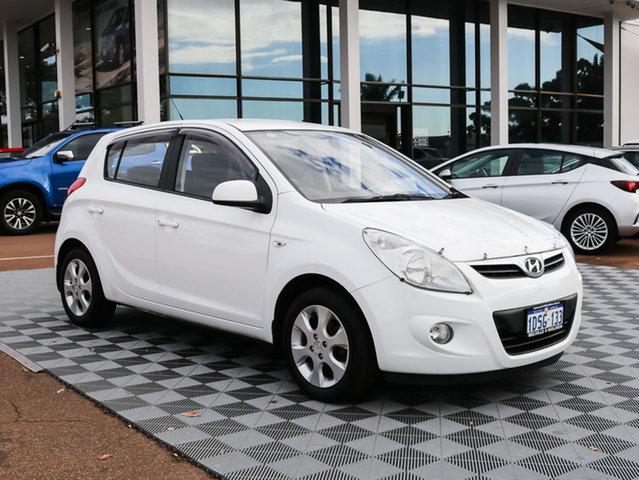 Used Hyundai i20 PB MY12 Elite, 2011 Hyundai i20 PB MY12 Elite White 5 Speed Manual Hatchback