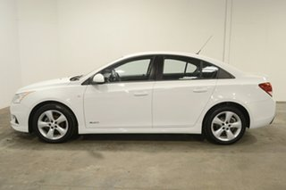 2012 Holden Cruze JH Series II MY13 SRi White 6 Speed Manual Sedan.