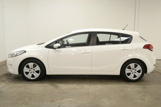 2017 Kia Cerato YD MY18 S Clear White 6 Speed Sports Automatic Hatchback.